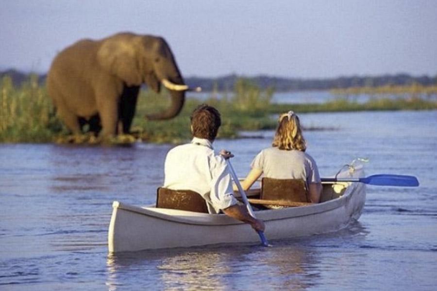 Lake Manyara canoeing