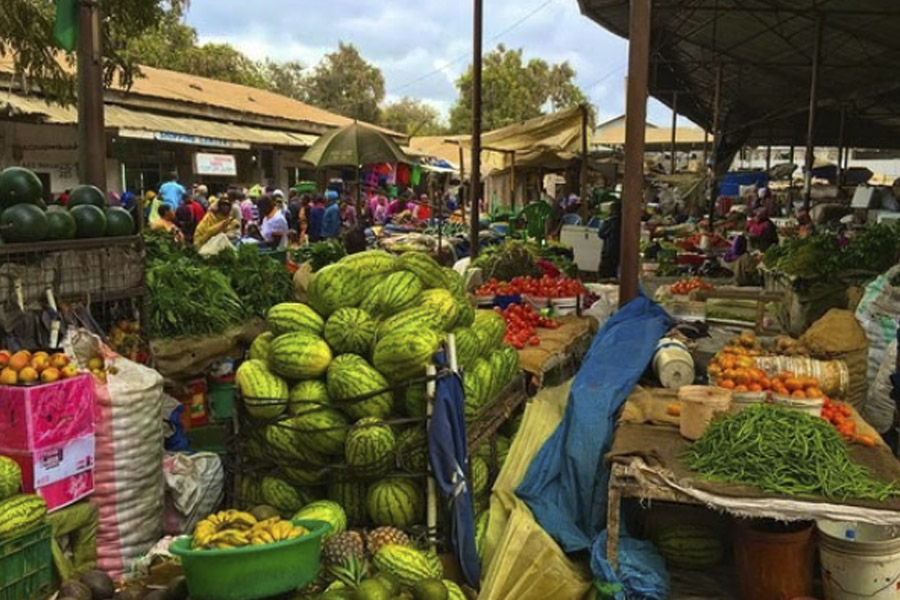 Village walk + market tour – Mto wa Mbu